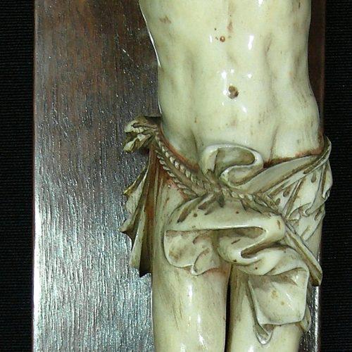 Cristo.-Marfil.-S.-XVIII_12f