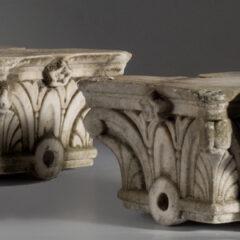 Pareja-Capiteles-Esquina_S.XIX_Marmol