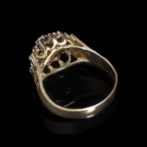 Sortija.-S.-XX.-Oro-9-Kts-.-Amatistas.-Diamantes_AnJ.8b
