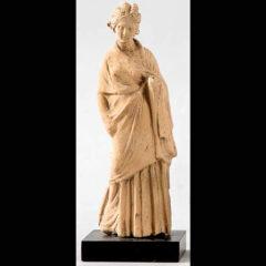 Figura Femenina. Griego s. IV aC. Terracota
