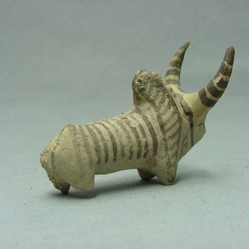 Toro-de-ceramica.-Valle-del-Indo.-II-Milenio-a.C._02