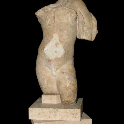 Torso-romano-de-marmol.-S.-I-II-d.C._12a